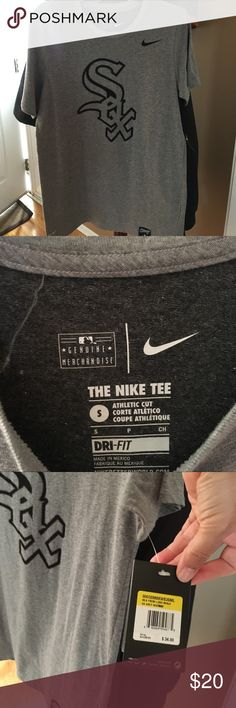 Nike Dri-Fit Sox T-shirt (men's small) Brand new, tags on Nike Chicago White Sox t-shirt.  Perfect gift 🎁 for the Sox fan in your life.  Start your early holiday shopping with this shirt! Nike Shirts Tees - Short Sleeve