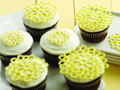 Learn how to make these Royal Icing Appliqués in Course 2: Flowers & Cake Design.