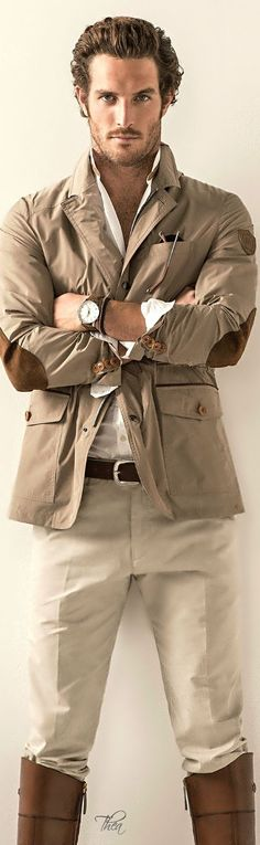 Safari ● Chic ~ Tнεα That jacket.the buttons, the pockets & the elbow patches. That's a classy Sunday brunch or outdoor event look. Moda Safari, Safari Chic, Mode Masculine, Sharp Dressed Man, Well Dressed, Stylish Men, Men Casual, Safari Outfits, Safari Dress