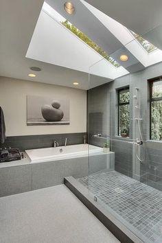 Bekijk de foto van jolien22 met als titel Mooie lichten badkamer! Tof schilderij boven het bad! en andere inspirerende plaatjes op Welke.nl.