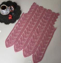 Crochet Flower Tutorial, Crochet Flowers, Baby Knitting Patterns, Crochet Patterns, Chrochet, Crochet Baby, Knitwear, Style Inspiration, Pretty