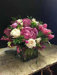 Fantastic Absolutely Free Blumenarrangements Tulpen Rosen 15 Ideen für 2019 Suggestions Among the absolute most beautiful and sophisticated types of flowers, we carefully selected the corr Peony Arrangement, Spring Flower Arrangements, Vase Arrangements, Beautiful Flower Arrangements, Floral Centerpieces, Spring Flowers, Wild Flowers, Fresh Flowers, Deco Floral