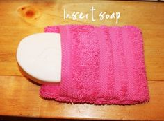 Make your own exfoliating soap pouches out of inexpensive washcloths! shoes box Make Your Own Exfoliating Soap Pouches Christmas Child Shoebox Ideas, Operation Christmas Child Shoebox, Kids Christmas, Diy Soap Pouches, Cool Diy Projects, Sewing Projects, Sewing Hacks, Operation Shoebox, Exfoliating Soap