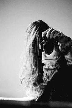 Used Cameras, Female Photographers, Photography Equipment, Black N White, Great Pictures, Nude, Selfie, Beautiful, Women