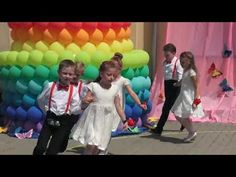 Walc na zaskoczenie przedszkola - Przedszkole Otwartych Serc - YouTube
