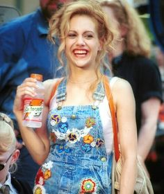 Find images and videos about girl, fashion and style on We Heart It - the app to get lost in what you love. Brittany Murphy, Jane Birkin, Marlon Brando, Forever My Girl, Garage, Don Juan, Amanda Bynes, New Energy, 2000s Fashion