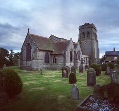 It's lovely living in #rural #shropshire (#church #religion #christian #oldbuilding #old #churchyard #grave #graveyard #iphone #iphoneography #blog #blogger #blogging #england #britain #uk #unitedkingdom #countryside #hudson)