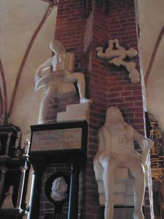 Nicodemus Tessin (padre e hijo). Ambos, padre e hijo, fueron arquitectos muy importantes en Suecia