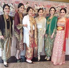 Songket Collection by Ghea Fashion Studio Kebaya Lace, Kebaya Hijab, Kebaya Brokat, Kebaya Dress, Batik Kebaya, Dress Pesta, Kebaya Muslim, Muslim Dress, Blouse Batik