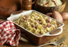 Strapačky s kyslou kapustou Winter Food, Pasta Salad, Macaroni And Cheese, Ale, Cabbage, Cooking Recipes, Sweets, Meat, Baking