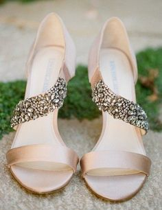 Breathtaking!!! Vera Wang Sandals