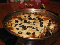 Enchilada Lasagna Recipe - Everythings Coming Up Green Skillet Lasagna, One Skillet Meals, Skillet Cooking, Pan Cooking, Salad Master Recipes, Enchilada Lasagna, Electric Skillet Recipes, Cast Iron Recipes, Soft Foods