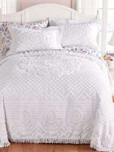 Heirloom Cotton Chenille Bedspread, bedspread with shams, cotton bedspread, chenille set Pink Bedrooms, Shabby Chic Bedrooms, Bedroom Sets, Home Bedroom, Bedroom Furniture, Bedroom Decor, Bedroom Carpet, House Furniture, White Bedspreads