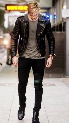 Leather biker jacket                                                                                                                                                                                 Más