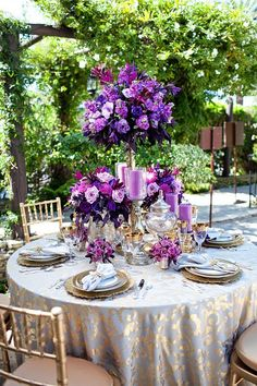 Get ideas for tablescapes that use the Pantone Color of the Year 2014 Radiant Orchid. These gorgeous table settings will give you ideas and inspiration. Purple And Gold Wedding Themes, Purple Gold, Purple Wedding, Wedding Colors, Wedding Flowers, Dream Wedding, Wedding Gold, Purple Ombre, Wedding Centerpieces