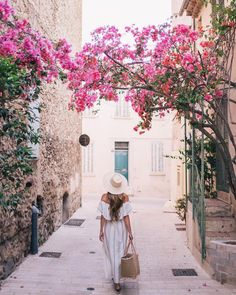 Gal Meets Glam in Provence