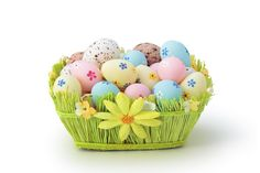 Happy Easter Egg Pictures - Check out best collection of Easter Grass, Basket, Hunt Egg Pictures for Happy Easter April Easter Egg Basket, Easter Gift Baskets, Easter Eggs, Easter Activities, Easter Crafts For Kids, Ostern Wallpaper, Hd Wallpaper, Wallpapers, Desktop Backgrounds