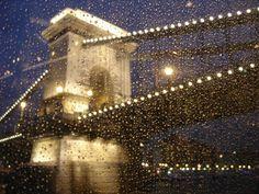 Paseo en barco por el Danubio. Cena incluida. Momento feliz. Budapest. Hungria/ Boat trip, dinner included. Happy moment. Budapest. Hungary.