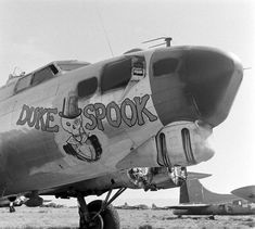 Airplane Nose Art During World War Two Nose Art, Ww2 Aircraft, Military Aircraft, Rockabilly, Pin Up, Old Planes, Aircraft Painting, Airplane Art, Military Art
