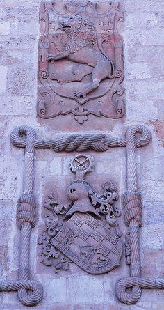 Escudo de los Puñoenrostro sito en la fachada del palacio del Cordón. Probably Juan Bautist Centurión y Velasco.
