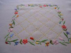 Resultado de imagen de embroidery tablecloth
