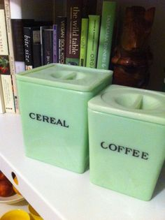 Square Fire King Jadeite Kitchen Canister for Coffee Vintage Kitchenware, Vintage Dishes, Vintage Glassware, Green Milk Glass, Vintage Fire King, Kitchen Canisters, Anchor Hocking, Antique Glass, Vintage Green