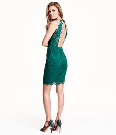 Short green fitted dress with lace, neck tie, and open back. | Party in H&M