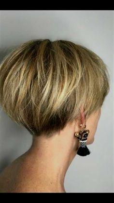 Gray Wigs African Americans Black Hair To White Hair Shampoo To Take Away Grey Hair - Hair - Haare und Make-up Pixie Bob Haircut, Short Pixie Haircuts, Short Hairstyles For Women, Hairstyles Haircuts, Haircut Short, Pixie Bob Hairstyles, Undercut Short Bob, Short Stacked Bob Haircuts, Bob Style Haircuts