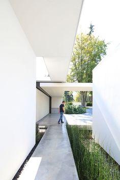 minimalism in architecture Minimalist Architecture, Space Architecture, Beautiful Architecture, Residential Architecture, Architecture Details, Vancouver Architecture, Villa, Modern House Design, Exterior Design