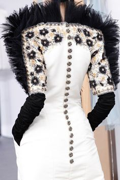Rosamaria G Frangini   Black&White Desire   Chanel - Autumn/Winter 2016-17 Couture