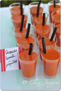Here is a small appetizer buffet concocted there is little. A gazpacho tomato-piquillos I had made a super version there two … Source by Appetizer Buffet, Appetizers, Gazpacho, Party Time, Tapas, Icing, Food And Drink, Drinks, Birthday