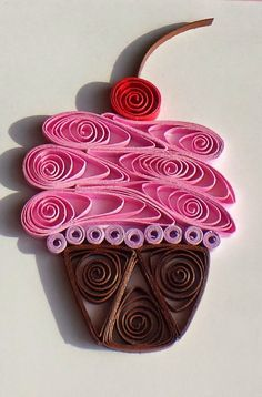 Quilled Paper Greeting Card Pink Cupcake on White by CraftiMiMi Más