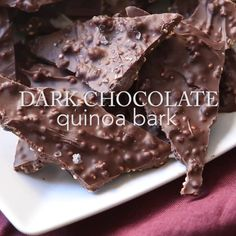 We've been dying over all of the dark chocolate snacks popping up in stores everywhere. Our new obsession this year is our chocolate blueberry quinoa bark. Desserts Sains, Köstliche Desserts, Healthy Desserts, Dessert Recipes, Chocolate Cake Pops, Chocolate Snacks, Fun Easy Recipes, Sweet Recipes, Bark Recipe