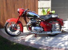 1956 Jawa 500 OHC American Motorcycles, Vintage Motorcycles, Cars And Motorcycles, Moto Jawa, Moto Bike, Scooters, Moped Scooter, European Models, Old Bikes