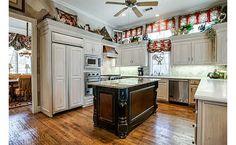 Country chic. My dream kitchen!