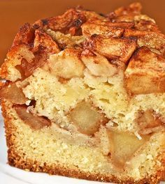 This looks too delicious! This apple cake is perfect for the season. Healthy Cake, Healthy Sweets, Healthy Baking, Low Carb Torte, Happy Foods, Low Carb Recipes, Love Food, Cupcake Cakes, Cake Recipes