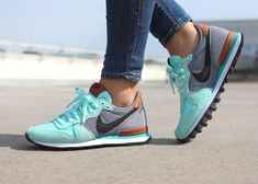 45 Ideas sneakers femme nike internationalist running shoes for 2019 Nike Internationalist, Fashion Boots, Sneakers Fashion, Sneakers Nike, Ladies Sneakers, White Sneakers, Fashion Usa, Street Fashion, Nike Shoes