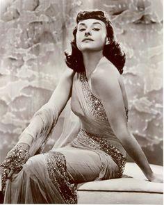 Paulette Goddard, 1930s. www.foreveryminute.com