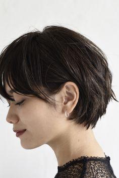 女性らしさの秘訣は『丸みのあるシルエット』 | 美容室カキモトアームズのおすすめヘアスタイルカタログ