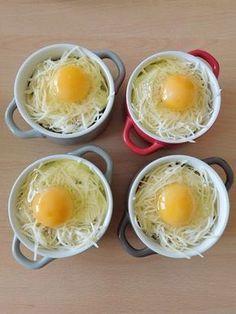 Salad recipes 640566746975437330 - Oeufs cocottes jambon et champignons Egg Recipes, Gourmet Recipes, Snack Recipes, Salad Recipes, Healthy Eating Tips, Healthy Snacks, Healthy Recipes, Batch Cooking, Easy Cooking