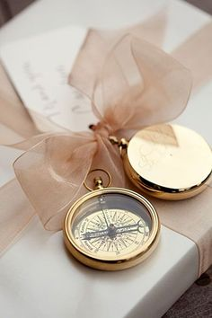 Are you two great travelers? Then choose your hobby as you wedding theme! Ah, there are so many adorable travel-theme ideas that are exciting yet budget-savvy! - Are you two great travelers? Then choose your hobby as you wedding theme! Nautical Wedding, Trendy Wedding, Dream Wedding, Nautical Theme, Perfect Wedding, Wedding Themes, Wedding Styles, Wedding Ideas, Wedding Planning