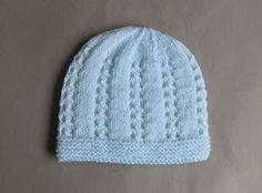 This is a very sweet little baby hat  Bella means beautiful ......   Bella Baby Hat  Bella Baby Hat 0- 3 m...