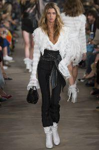 Philosophy di Lorenzo Serafini Spring 2017 Ready-to-Wear Collection Photos - Vogue Fashion Mode, Fashion Week, Fashion 2017, Love Fashion, Runway Fashion, Spring Fashion, Fashion Show, Fashion Looks, Womens Fashion