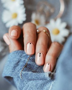 New @semilac 211 #helloweekend #weekendadventures #goodvibes#springnails #fromabove #fashionblogger #fashionable #fashionshoot #golddetails #paznokcie#hybryda #stillifephotography #handsinframe #lifestyleblogger #outfitgrid #outfitoftheday #wiwt #instastyle #lookoftheday #dailylook #fashiondiaries#ootd #ootd Special Nails, Nails At Home, Nail Inspo, Essie, Nail Designs, Make Up, Nail Art, Beauty, Style