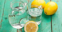 DEHYDRATION Easy home remedies: lemon water (recipe), coconut water, soups and broths. Fun Drinks, Healthy Drinks, Healthy Recipes, Drinking Warm Lemon Water, Healthy Holistic Living, Healthy Living, Top 10 Home Remedies, Natural Detox Drinks, Women Health