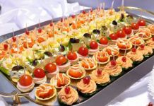49 Super Ideas appetizers for party cheap entertaining Wedding Appetizers, Appetizers For A Crowd, Appetizers For Party, Appetizer Recipes, Wedding Snacks, Wedding Buffet Food, Wedding Reception Food, Food Buffet, Wedding Receptions