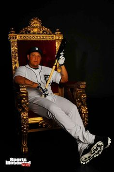 He won the triple crown which someone hasn't done in a long time Detroit Sports, Detroit Tigers Baseball, Detroit Lions, Old English D, Sports Illustrated Kids, Famous Baseball Players, Tiger Love, Baseball Pictures, Sports Images
