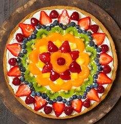 Fruit Pizza - Cooking Classy--Pinning for the picture only. Fruit Pizza Cups, Fruit Pizza Frosting, Mini Fruit Pizzas, Easy Fruit Pizza, Pizza Food, Food Food, Fruit Pizza Recipe With Glaze, Snack Recipes, Healthy Recipes