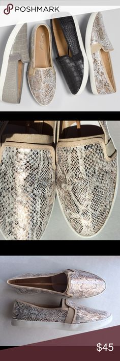 Naturalizer Metallic Snake Flats 9.5 New In box. Comfy flats. 9.5 Naturalizer Shoes Flats & Loafers
