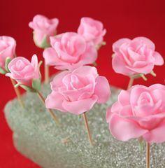 How to make beautiful Fondant Roses Fondant Roses Tutorial | Gwen's Kitchen Creations